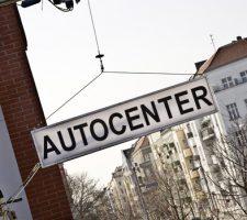 Schild des Autocenters_FotoRoman März_small