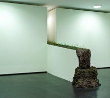 "Kathleen Vance - ""Running Stream"" Installation in galerie OPEN"