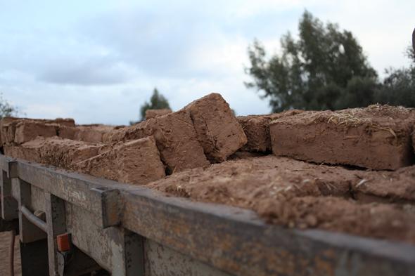 Elín Hansdóttir, Mud Brick Spiral
