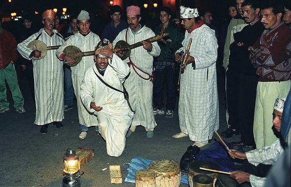 Dancers and musicians in Djemaa el Fnaa