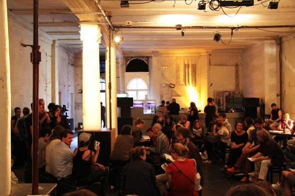 """Tanz im August: """"Constructing Resilience"""" at Sophiensaele; photo by Sabine Weler"""