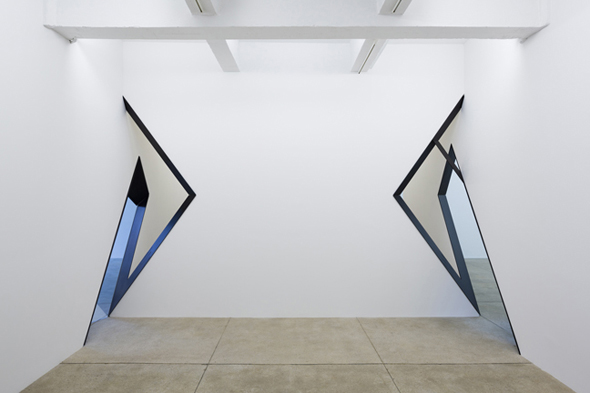 "Sarah Oppenheimer - ""D-33"" (2012), Installation view, aluminum, glass and existing architecture; Courtesy of the Artist and PPOW Gallery, New York"
