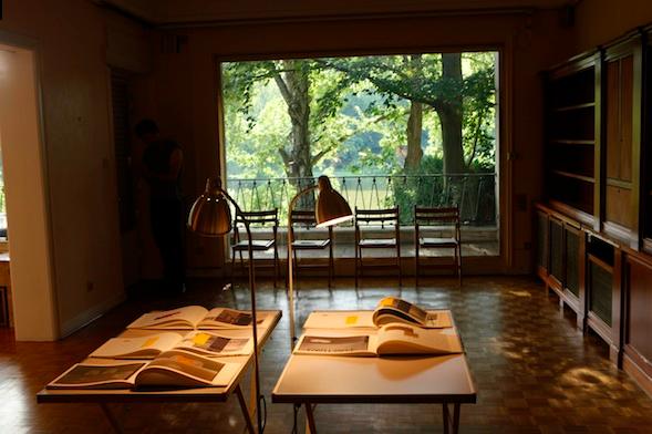 Installation view, Courtesy of Coup de Dés and Saskia Neuman, photo by Amir Guberstein
