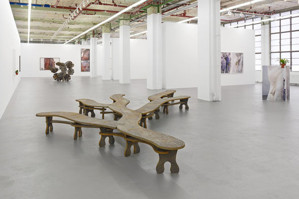 Ernesto Neto, notes, stones and dots, installation view; courtesy of Galerie Max Hetzler