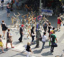 Berlin Art Link Blog, Alejandro Ceron, Mind the crowd