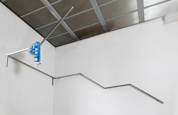 "Berlin Art Link Blog, exhibition ""new atlantis"", Anne de Vries - ""Hold On"""