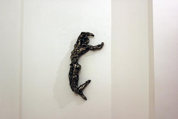 berlin_art_link_16-11-13_Rainer-Fetting_Desmond-stretching_2003_silver_bronze_11x73x30