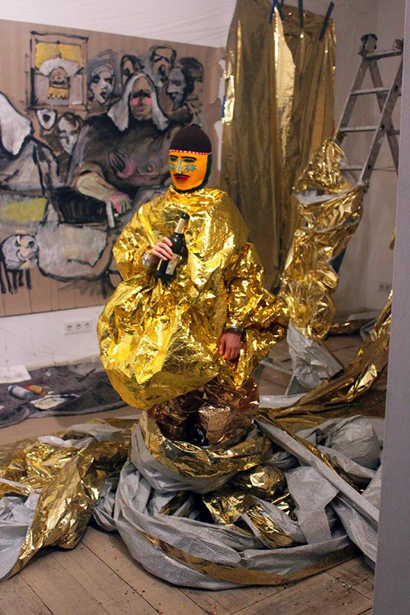 berlin_art_link_glougair_5-12-13_goldlady1