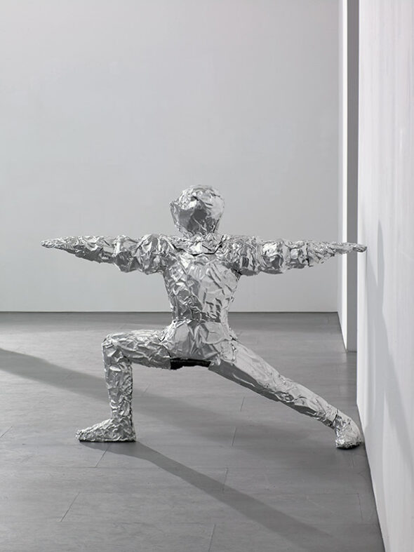 Berlin-Art-Link_Asta-Groeting_Yoga-In-Armor-(Warrior-II)_2014_courtesy-carlier-gebauer