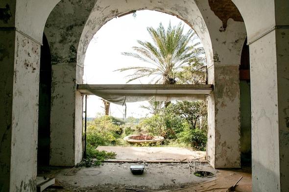 Karim Sakr - La Maison Rose, Beirut; Photo courtesy Karim Sakr, Maria Achkar