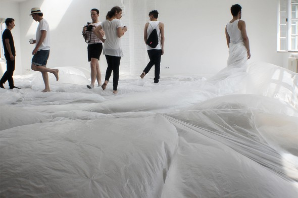 """Agora """"Stravaganza"""" (2014) performance with Beth Dillon, Tomás Espinosa, Renata Har and Caique Tizzi, photo courtesy of the Project Space Festival and Sarah Kouhou."""