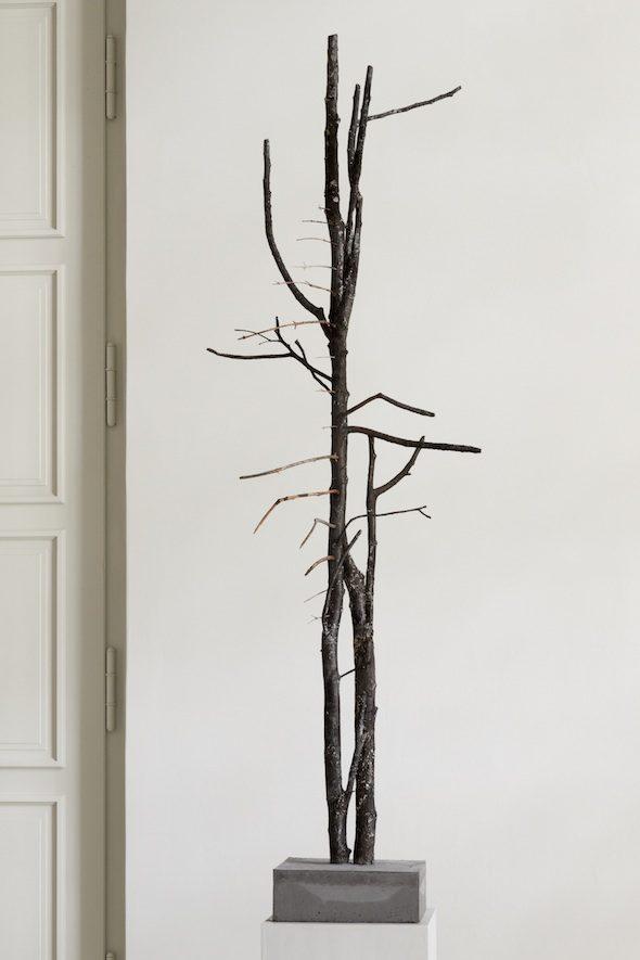 BerlinArtLink-KunsthausDahlem-Vajiko Chachkhiani_Many Lives Pass by While Imitating Death