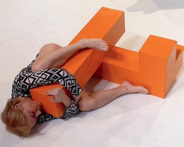 Berlin-Art-Link-FORMEN FORMEN, 2015 Choreografie : Skulptur- Julian Weber Performance