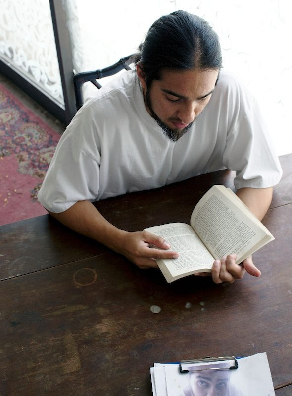 berlinartlink-Bobby Jesus Reads God the Father : God the Mother, 2013