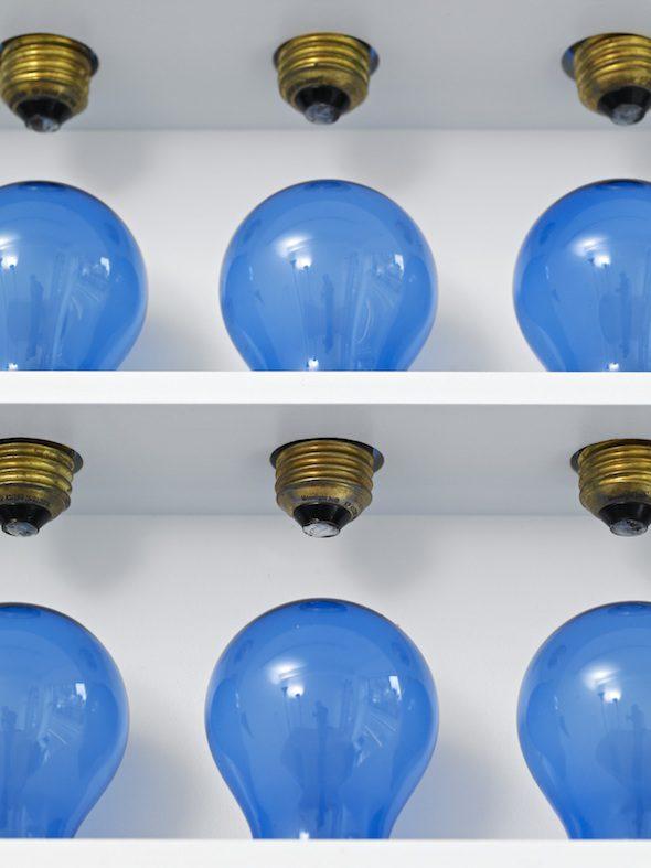 Katie Paterson: Light bulb to Simulate Moonlight, 2008, 289 light bulbs, 28W, 4500K  // Photo: © Ingleby Gallery, 2011 Courtesy of Ingleby Gallery