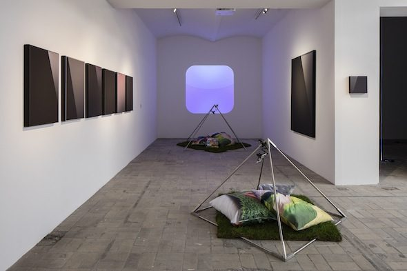 Ying  Miao: Installation view of 'Tech Abstractionism', 2014 and 'App-Nosis',2013-2014 // Photo Timo Ohler