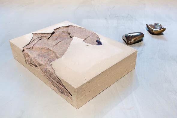 Berlin-Art-Link_marie lund_torso and hand full_BoxFreiraum