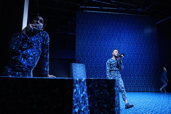 Adam Linder: 'Kein Paradiso', Stephen Thompson, Adam Linder & Jennie MaryTui Liu, 2016 // Photo by Dorothea Tuch