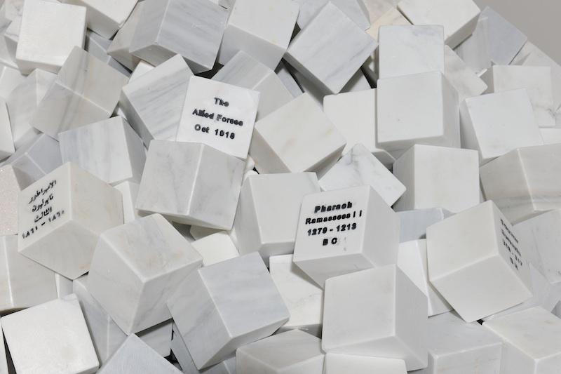 berlinartlink-marwan-rechmaoui_veni-vidi-vici_2013_1000-marble-blocks_-26-engraved_13-arabic_13-latin_-each-7x7x7cm_-installation-size-variable-dimensions_detailed