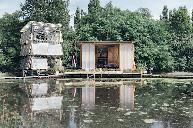 Built temporary structures on a wetland near templehof field as site for Floating University