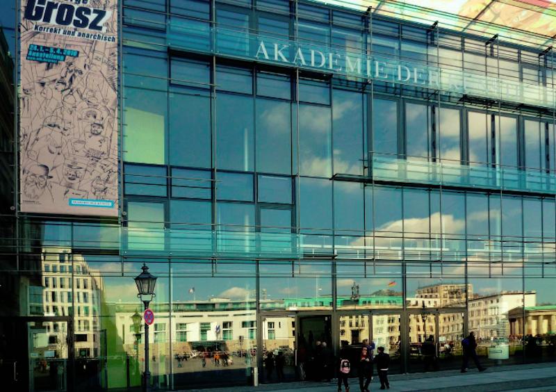 A photograph of the outside of Die Akademie der Künste Berlin.